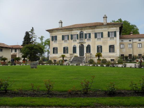 Visita all'antica biblioteca Florio in Persereano -UD- (2/3)